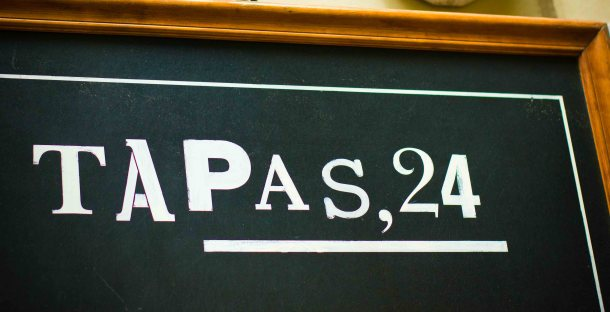 Tapas 24 sign