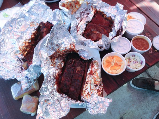 """Bludso's barbeque Los angeles compton"""