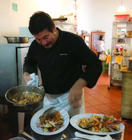 """Alejandro Ruiz taller de cocina seafood botana"""
