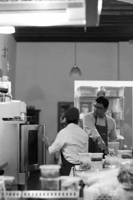 Rodolfo Castellanos Origen Oaxaca kitchen