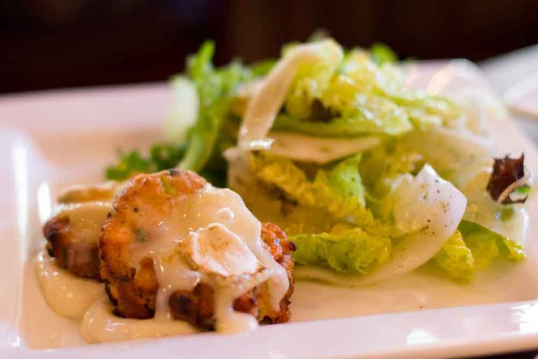 Crab cakes with brie