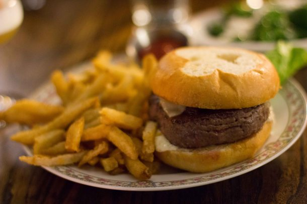 """Mission Bowling club hamburger"""