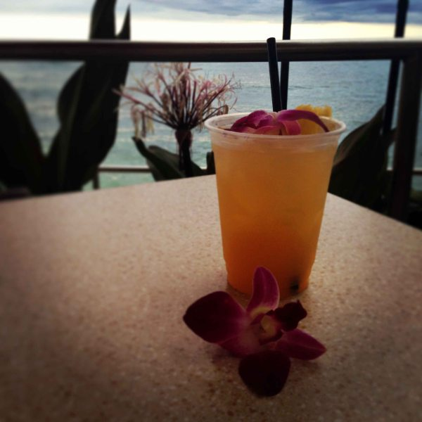 """Honolulu Sheraton view bar"""