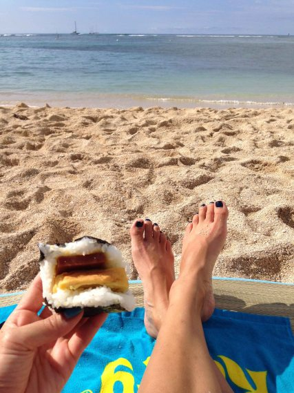 Beach visit enjoyed with another Mana bu onigiri. This time spam and egg!