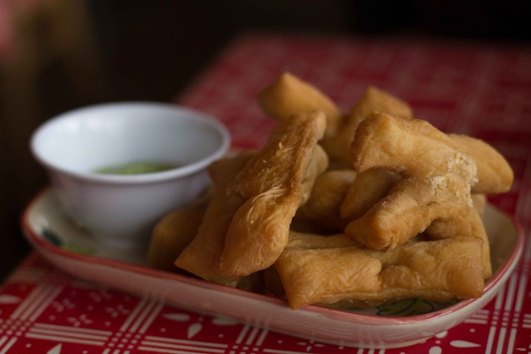 Patangko - fried Thai style savoury crullers were great dipped into my jok.