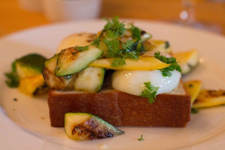 """Charleston Edmunds Oast egg"""
