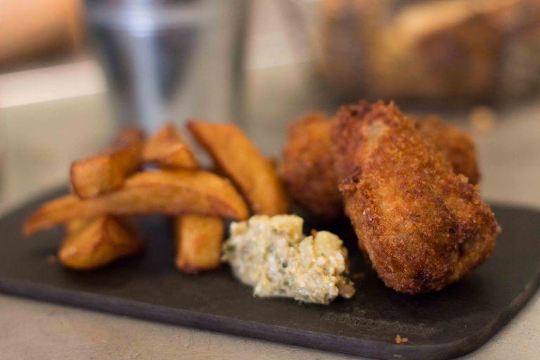 """L'Avant Comptoir chicken fries"""