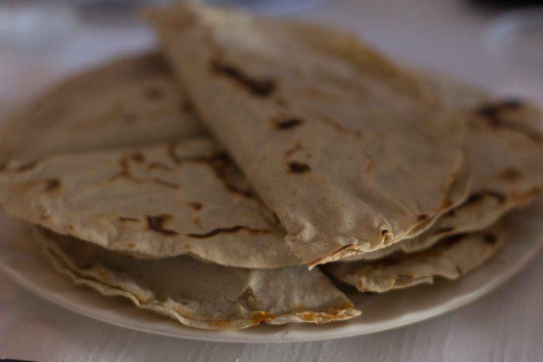 Oaxaca El Mangalito empanada amarillo Zaachila