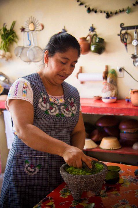 Reyna Mendoza Oaxaca Teotitlan guacamole