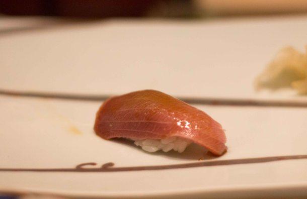 Kyubey Tokyo Ginza chu toro sushi