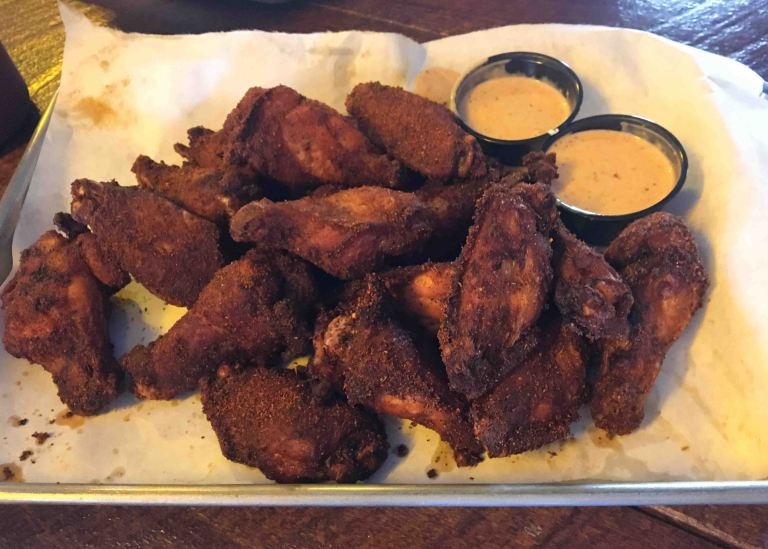 Martins ba-b-que Nashville wings