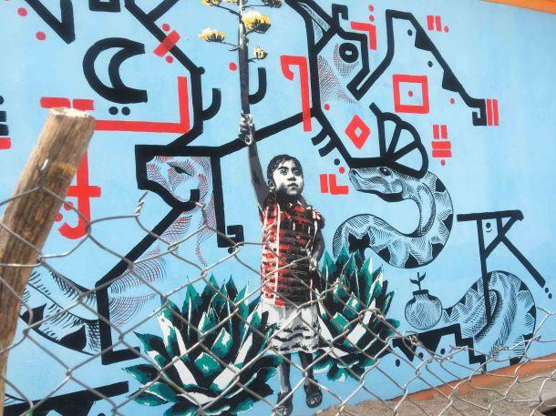 Lapiztola street art Oaxaca.jpg