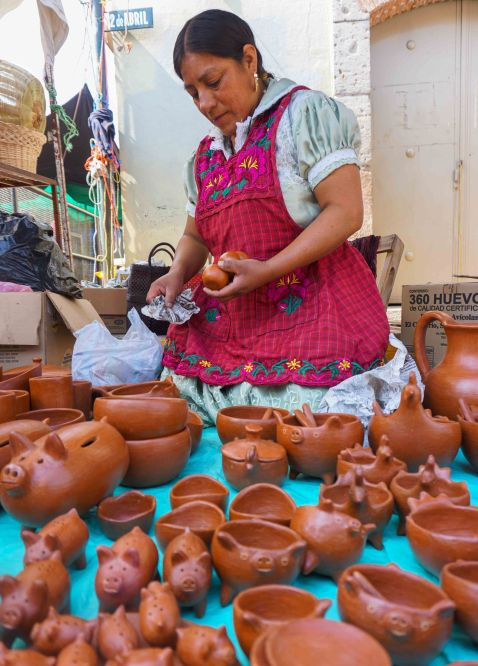Tlacaloula pottery
