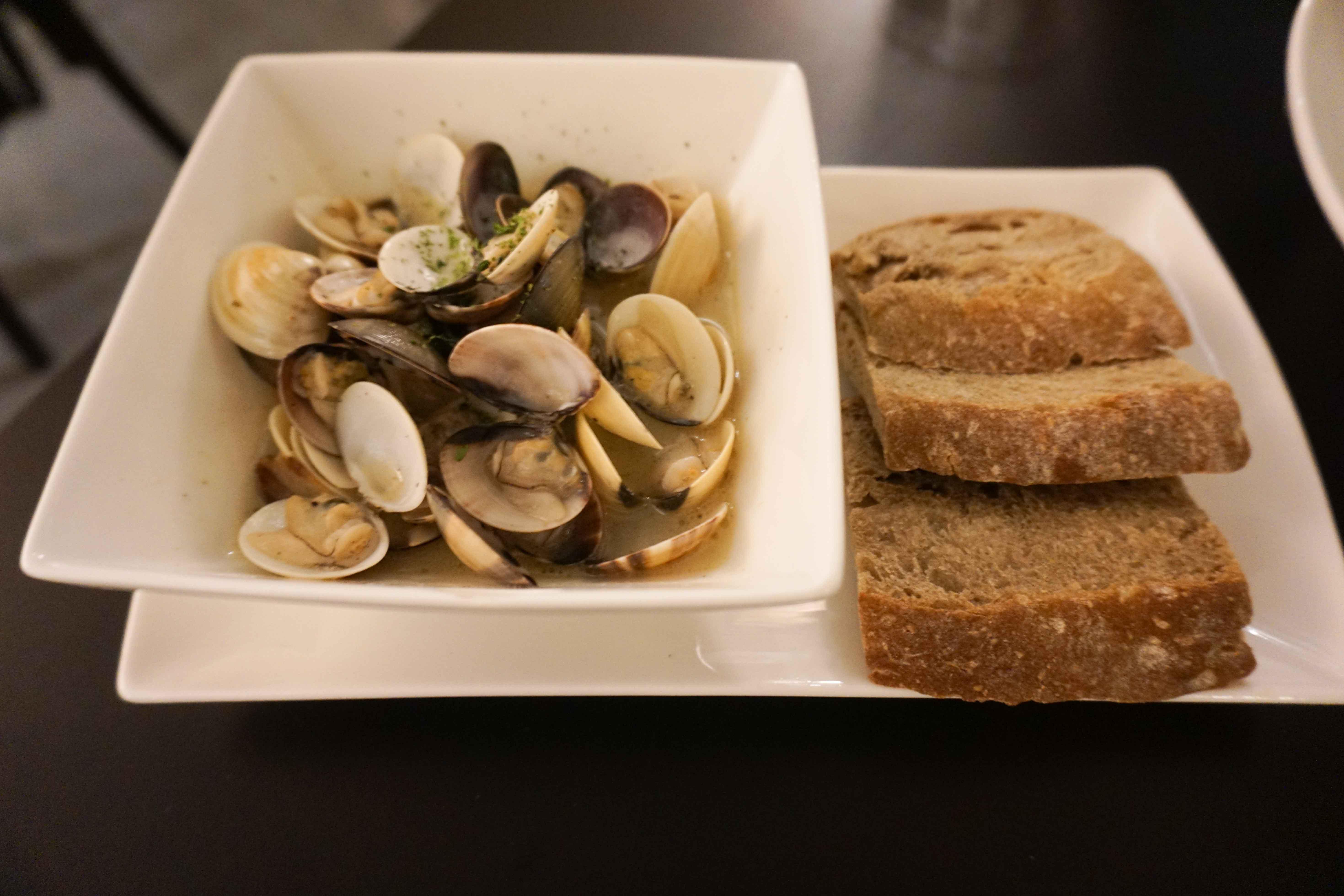 Georgetown wines clams