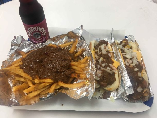 Pinks chili cheese dog