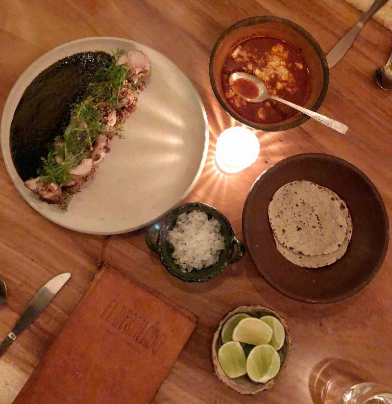 El Destilado Oaxaca pollo mole