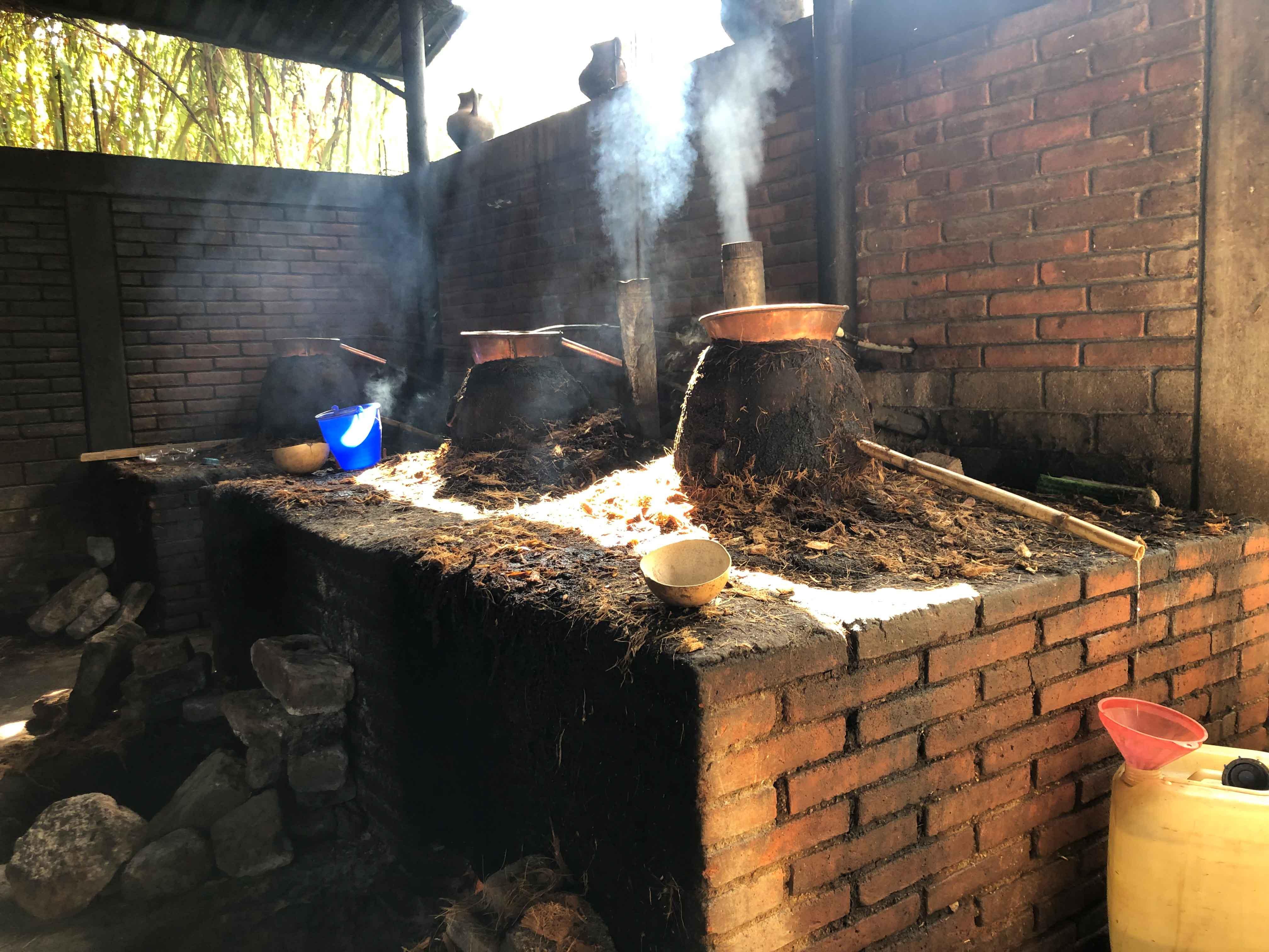 Lalocura mezcal Oaxaca distillation